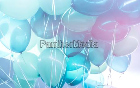 blaue luftballons hintergrund
