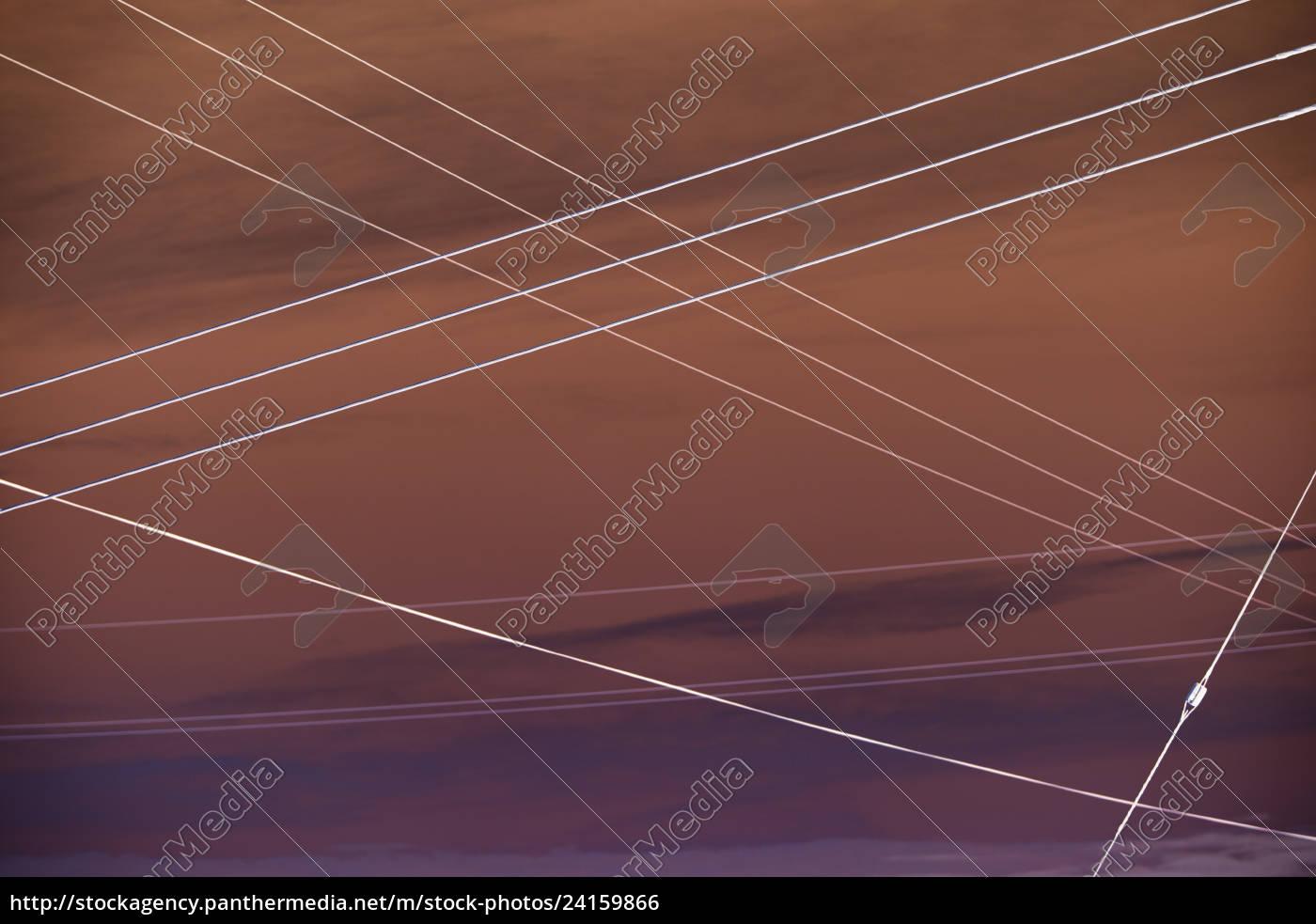 abstract, der, elektrischen, versorgungsleitungen, die, sich, über - 24159866