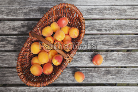 wickerbasket of apricots