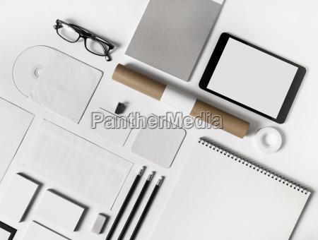 objekte modern moderne brille augenglaeser nasenfahrrad