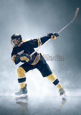 eishockeyspieler in aktion