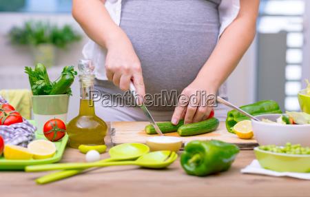 gesunde ernaehrung der schwangeren frau