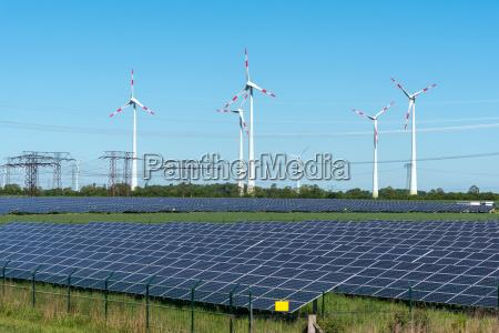 erneuerbare energiegewinnung und stromleitungen in deutschland