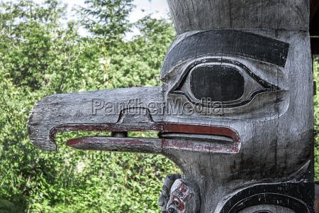 totem bird detail beak wood