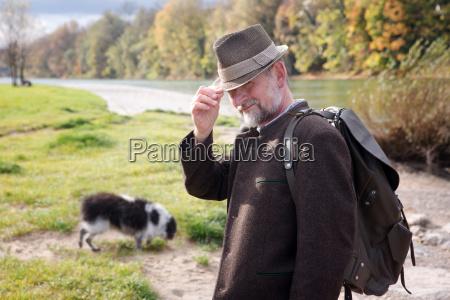 tipo personas gente hombre ir paseo