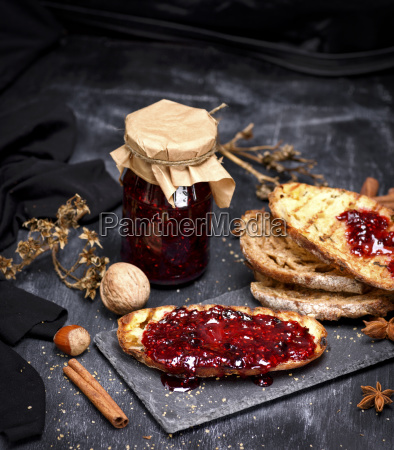 toast of white bread with raspberry