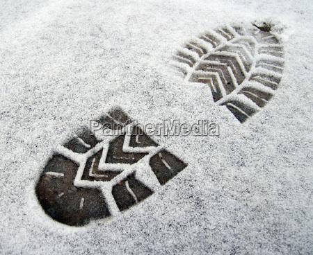fussspur schuhsohle im schnee