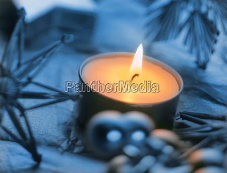 brennende kerze weihnachtsdekoration