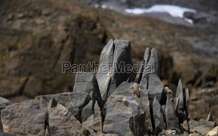 vom frost gespaltene steine