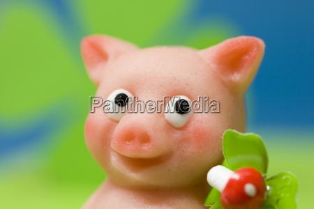 glucksbringer schweinchen aus marzipan