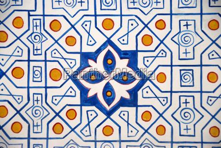 dekorative geometrische wandmalerei in der kok