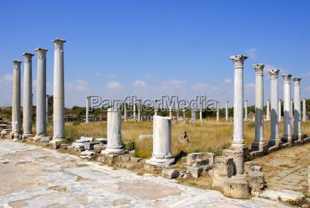 antike saulen gymnasium archaologische ausgrabungsstatte salamis