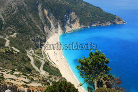 mirtos strand badebucht mit sandstrand