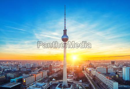 luftaufnahme auf dem alexanderplatz in berlin