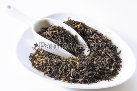 schwarz gruntee mit rhabarber pflaumen geschmack
