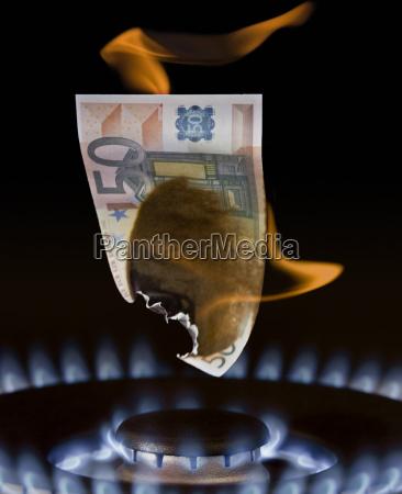 gasflamme verbrennt 50 euro schein