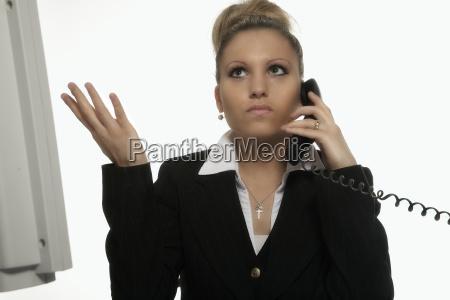 geschaftsfrau beim telefonieren