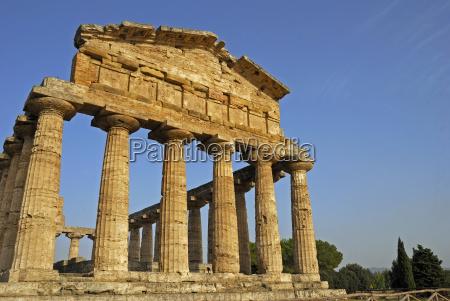 paestum monument griechischer baukunst