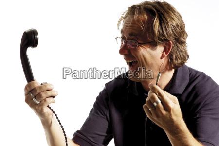 mann halt nostalgisches telefon kabel