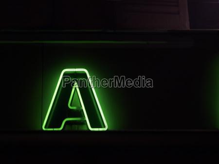 buchstabe a neon leuchtschrift