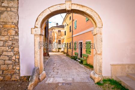town of visnjan old stone gate