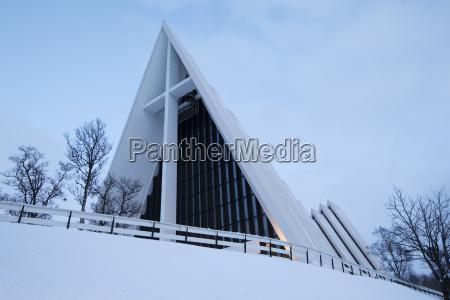eismeerkathedrale im winter tromso