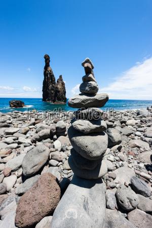 cairns built to pyramids as a