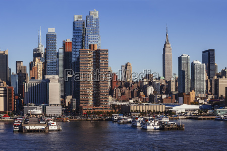midtown manhattan cityscape from hudson river