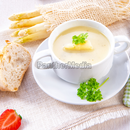 asparagus cream soup with capers and