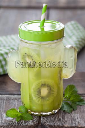 limonade mit kiwi