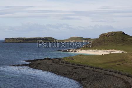 beach on isle of skye scotland