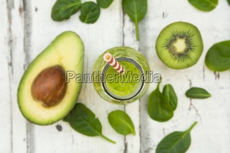 green smoothie detox with avocado baby