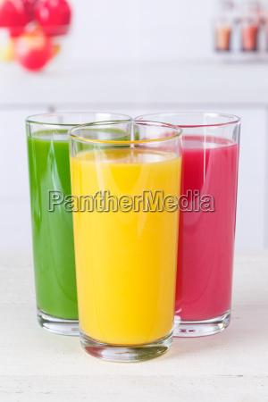saft orangensaft smoothie smoothies fruchtsaft hochformat