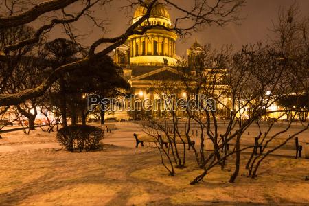 snowy garden near saint isaacs cathedral