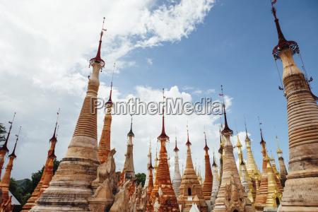stupas mit spitzen an shwe indein