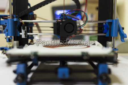 close up of 3d printer on