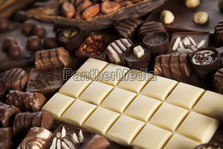 zimt dunkle schokolade mit milch und