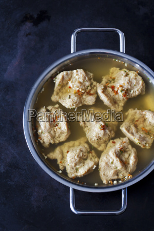 cooking pot of soy medaillons in