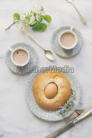 mona de pascua typical food of
