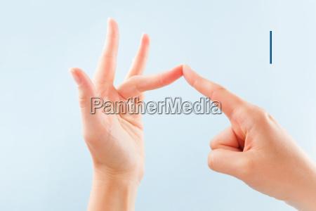 bsl fingerspelling alphabet i