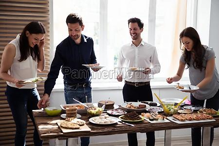 friends eating healthy food