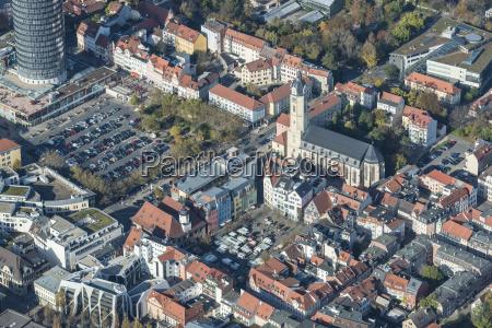 stadtzentrum jena mit marktplatz und stadtkirche