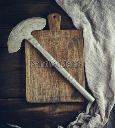 alte eisenhuechse zum schneiden von fleisch