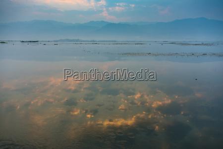 sunrise dawn inle lake inle lake
