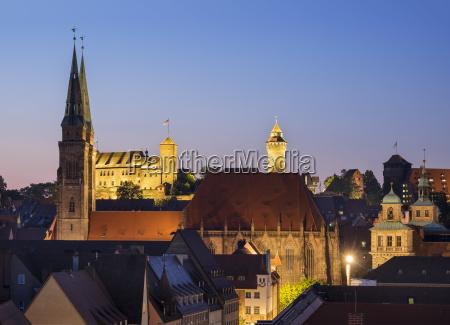 sebalduskirche und kaiserburg mit sinwellturm sebalder