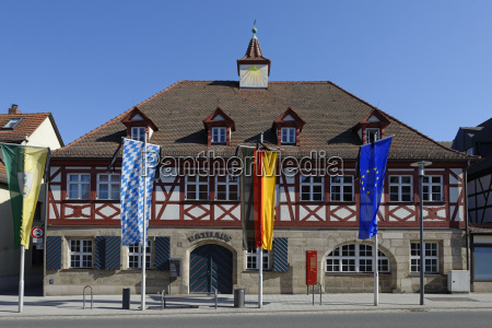 town hall feucht nuernberger land middle