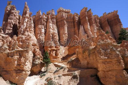 colored rock formations hoodoos queens garden