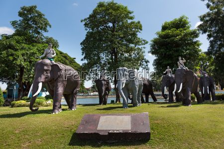 elefanten denkmal am phraya surin phakdi
