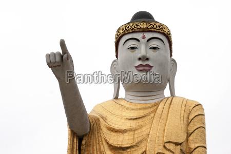 grosse buddha statue kyaing tong