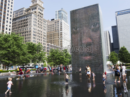 crown fountain chicago illinois united states